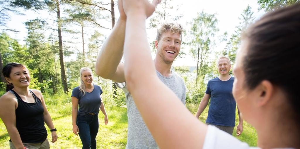 lokal teambuilding | 5 glade deltagere til teambuilding