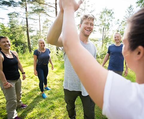 Lokal teambuilding med glade deltagere